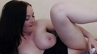 Huge Tits Melissa Playing..